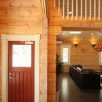 赤茶の可愛い玄関です北九州市若松区塩屋【築後未入居】暖炉付きのデザイナーズログハウス