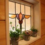 ステンドグラス風のガラスです北九州市若松区塩屋【築後未入居】暖炉付きのデザイナーズログハウス