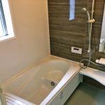 落ち着きのあるカラーのバスルーム北九州市門司区吉志|全部屋からベランダへ出ることができます!
