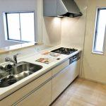 広くて便利なシステムキッチン北九州市小倉南区朽網西|3帖もある大きな納戸スペースつき!