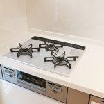 グリル付きの便利なシステムキッチン!北九州市小倉南区南方 クローゼットもあるのに各部屋広々