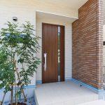 横風雨も防げる玄関ポーチ北九州市小倉南区南方|リビングに吹き抜けのある空間