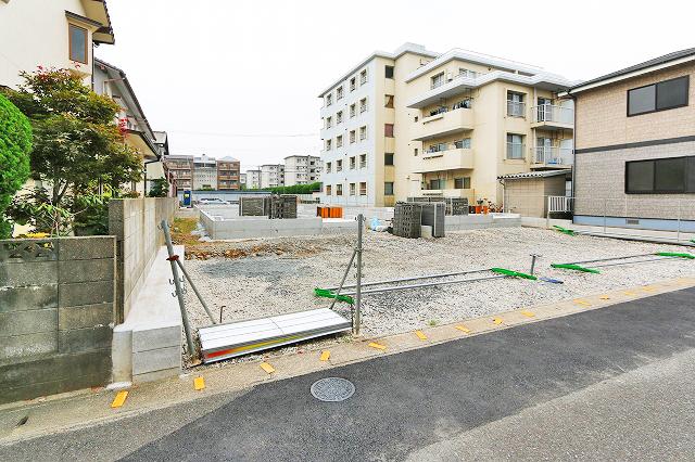 近隣施設が近くて生活に便利なエリアです。北九州市小倉南区徳力新町|2階全室6帖以上でウォークインクローゼットも!