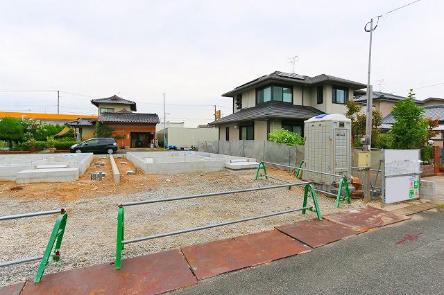 建物正面に並列2台駐車可能!!北九州市小倉南区下貫|公園やスーパー・コンビニ近隣の生活に便利なエリア!