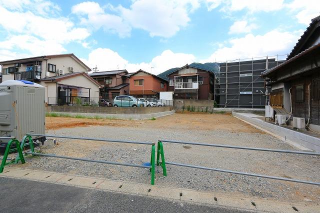 建物正面に並列駐車可能!北九州市小倉北区下富野|家族で出迎えができる人気のリビング階段