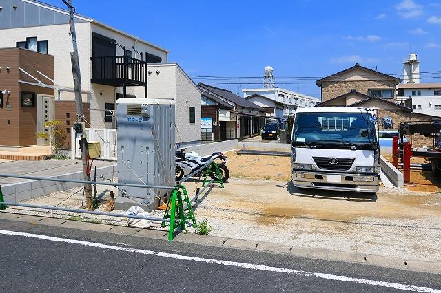 建物の両面が道路になっています!北九州市小倉北区篠崎|キッチンにパントリーあり!キッチン・リビング収納にゆとりができます。