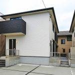 モノトーンのオシャレな外観北九州市八幡西区三ツ頭 8帖分の広い寝室にはクローゼット2ケあり