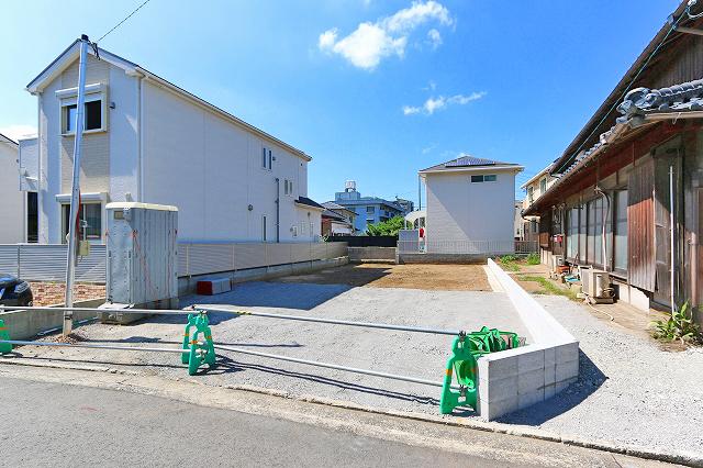前面駐車場2台駐車可能!北九州市戸畑区中原東|収納多数・各部屋広々!