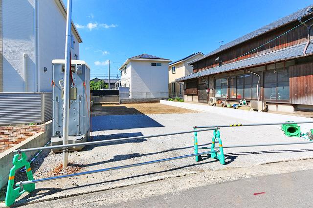 前面駐車場2台駐車可能!北九州市戸畑区中原東|キッチン横にパントリーあり収納多数!