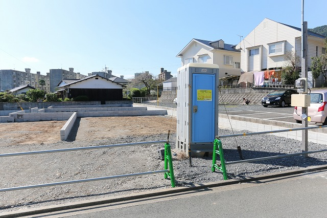 前面駐車場で2台駐車可能!北九州市小倉南区上吉田|片面駐車場のほぼ角地の物件です!