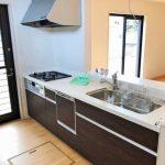 カウンターキッチンは嬉しい食洗機付き北九州市小倉北区皿山町 部屋も広く、収納もいっぱいで生活空間にゆとり有り!