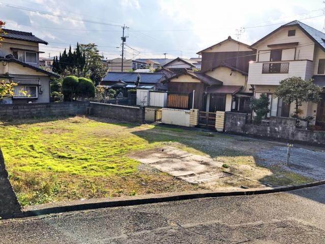 駐車もしやすく近隣も気にならない人気の角地。北九州市小倉北区篠崎|広い間取りでこの価格!便利な篠崎エリア