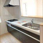 同社施工例 キッチン北九州市小倉南区朽網東|配置の考えやすい17帖以上の広いリビング!
