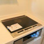 キッチン京都郡苅田町新津|屋根付き2階バルコニーで洗濯物が濡れる心配なし