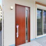 赤茶色の可愛い玄関!北九州市小倉北区須賀町|3LDKの間取りでリビングを広く!