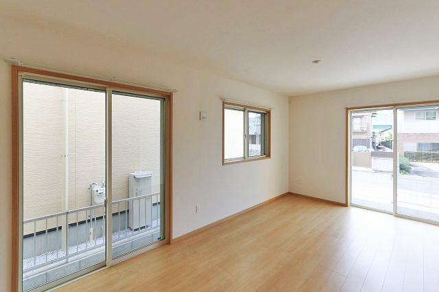 窓が多くて室内に日が差し込みやすくて日当り良好!北九州市小倉北区須賀町|3LDKの間取りでリビングを広く!