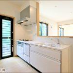 同社施工例 キッチン北九州市小倉南区上吉田|全室ウォークインクローゼットつき!収納スペース充実。