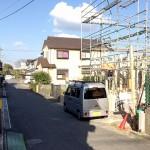 外観北九州市小倉南区長尾|キッチンからリビングの様子を見ながら料理