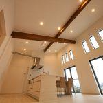 天井ライトはオシャレなスポットライト北九州市小倉南区葛原|オープンキッチンのデザイン住宅!駐車3台可能